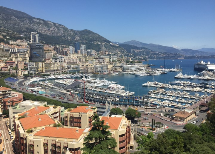 widok na Port Herkulesa i Monte Carlo