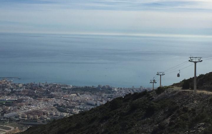 panorama Costa del Sol widziana ze szczytu Calamorro