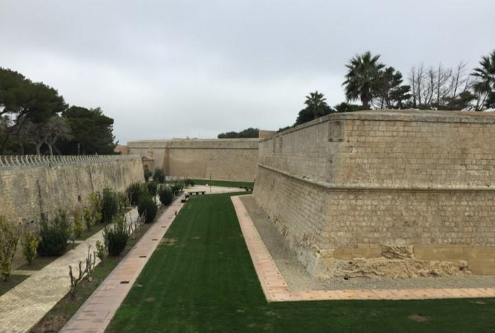 fortyfikacja obronna