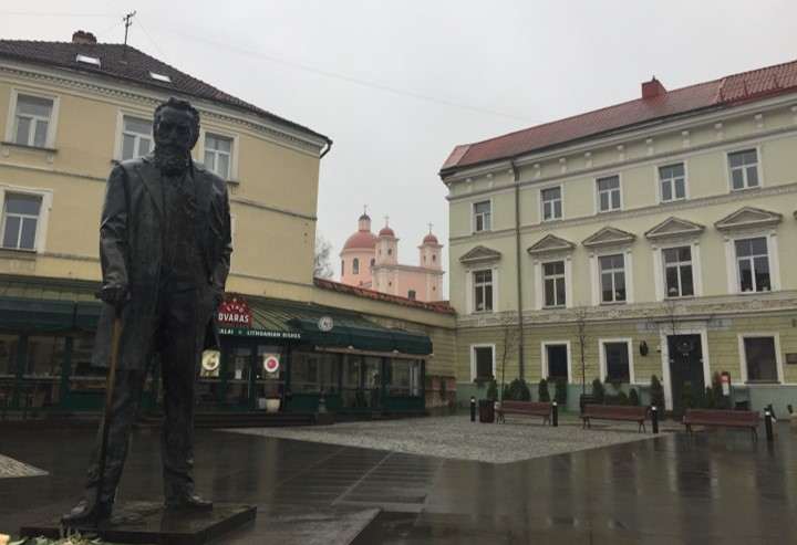pomnik Jana Basanowicza