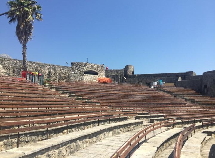 twierdza Kanli kula - amfiteatr